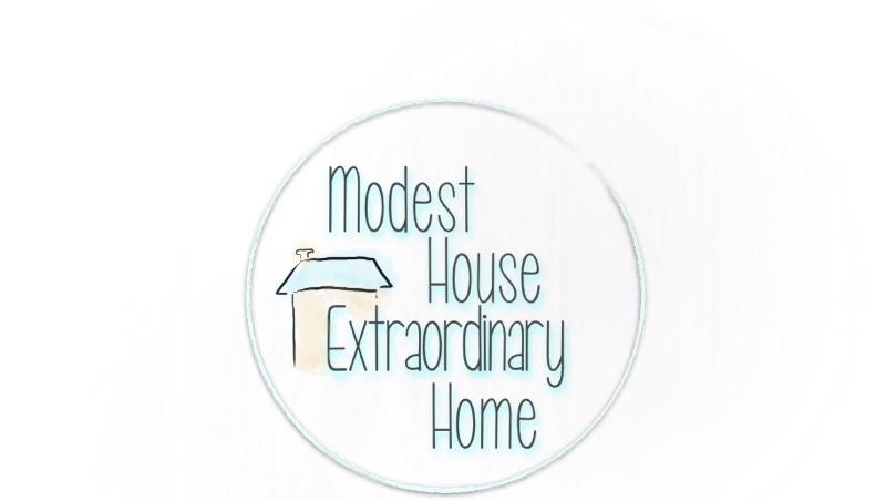 ModestHouseLogoCircle
